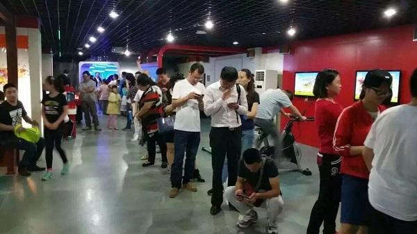 """西安富华科技研发的虚拟现实""""VR宇航员体验舱""""在陕西科技馆落成"""