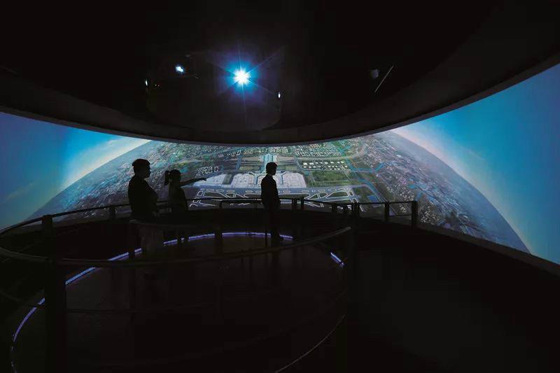 异形投影中的环幕影院与球幕影院分析